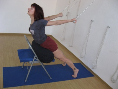 Urdhva Mukha Svanasana in ropes & Purvottanasana on trestle
